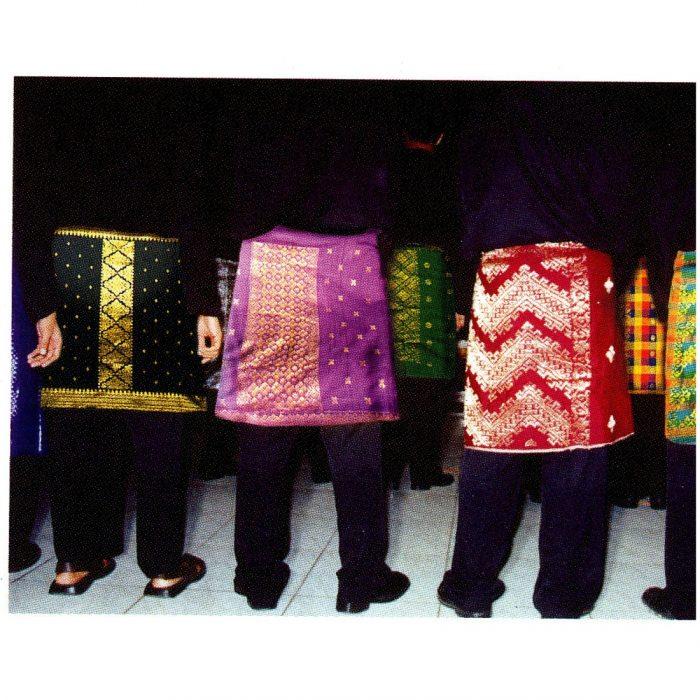 Cara memakai kain bagi Laki-laki